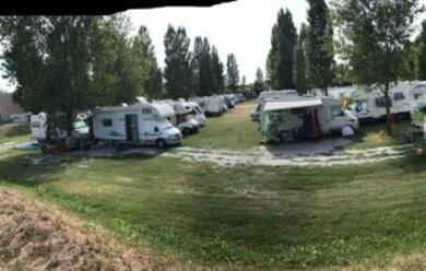 Immagine News - ravenna-sosta-abusiva-di-camper-18-sanzioni-dal-1-giugno