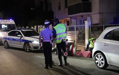 Immagine News - ravenna-in-moto-ubriachi-e-senza-casco-finiscono-contro-una-pattuglia-della-polizia-locale