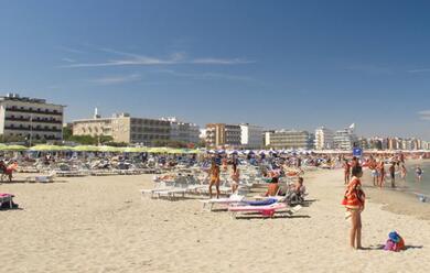 Immagine News - riviera-romagnola-turismo-in-aumento-nel-mese-di-agosto