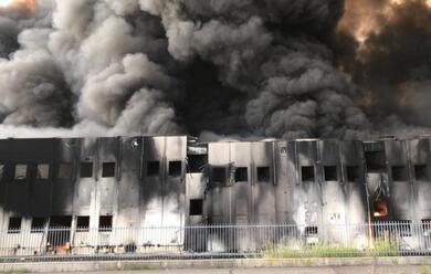 Immagine News - faenza-un-mese-dopo-lincendio-alla-lotras-rischi-ambientali-e-conta-degli-ingenti-danni