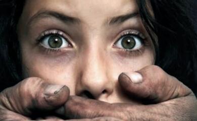 lugo-molesta-una-donna-sul-treno-lei-lo-filma-e-la-polizia-lo-denuncia