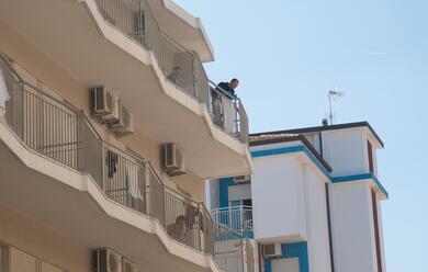 Immagine News - cervia-precipita-dal-terzo-piano-14enne-al-bufalini