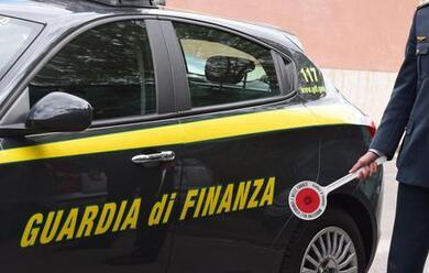 Immagine News - faenza-riciclaggio-blitz-delle-fiamme-gialle-sequestrato-1-milione-a-due-coniugi