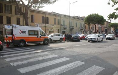 Immagine News - ravenna-donna-picchiata-alla-fermata-del-bus