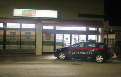 Immagine News - ravenna-tentata-rapina-al-supermercato-crai-e-caccia-alluomo