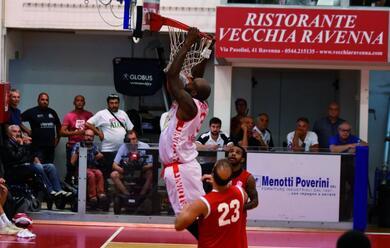 Immagine News - basket-a2-parte-la-prevendita-per-il-debutto-dellorasa-ravenna-a-forla-gioveda-la-presentazione-delle-nuove-maglie