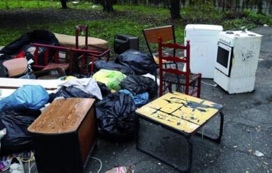 Immagine News - castel-bolognese-cittadini-volontari-in-campo-e-su-facebook-per-denunciare-lo-stato-del-decoro-urbano