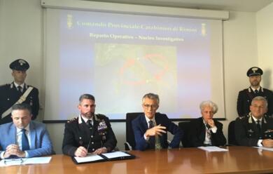 Immagine News - rimini-blitz-dei-carabinieri-contro-due-clan-camorristici