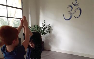 Immagine News - yoga-una-manna-per-i-bimbi-quotmeno-tesi-e-pia1-consapevoliquot