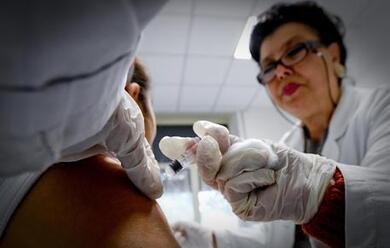 Immagine News - cesena-una-classe-intera-si-vaccina-per-proteggere-un-compagno-colpito-da-leucemia