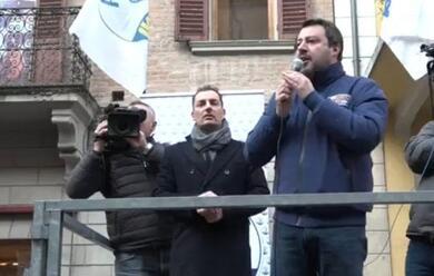 Immagine News - imola-il-leader-della-lega-salvini-fischiato-e-contestato-in-piazza-matteotti