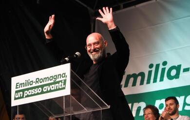 Immagine News - elezioni-regionali-bonaccini-e-il-centrosinistra-chiudono-la-campagna-elettorale-venerda-sera-al-palasport-di-forla