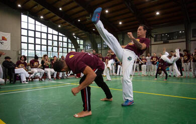 Immagine News - quotfacevo-il-poliziotto-in-brasile-ora-insegno-capoeira-a-ravennaquot