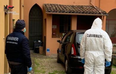 Immagine News - imola-donna-50enne-trovata-morta-in-casa-il-marito-fermato-dai-carabinieri
