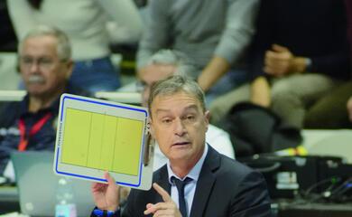 volley-superlega-le-manovre-della-consar-ravenna-aspettando-il-quotmartelloquot-restano-in-cinque-in-arrivo-margutti-jr-e-torna-mengozzi
