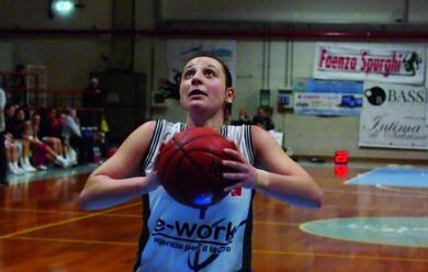 Immagine News - basket-donne-dal-25-settembre-caau-la-final-eight-lae-work-sfida-carugate-nei-quarti-di-finale