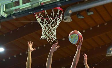 basket-b-un-derby-tira-laltro-in-supercoppa-quotrekico-con-i-tigers-per-vincere-ancoraquot