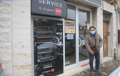 Immagine News - ravenna-ladri-in-azione-al-negozio-must-di-via-maggiore