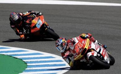 motociclismo-il-gresini-racing-trionfa-in-moto2-con-di-giannantonio