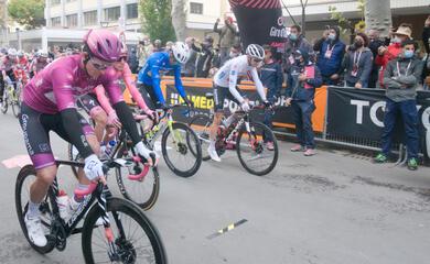 ciclismo-sabato-parte-il-giro-ditalia-presentate-le-quattro-tappe-emiliano-romagnole-dalla-montagna-al-mare