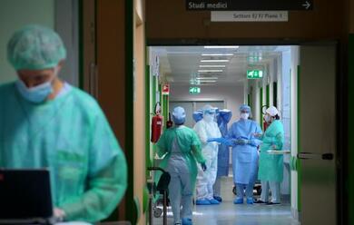 Immagine News - covid-19-asoloa-641-nuovi-casi-e-10-decessi-in-e-r-eta-media-34-anni-rimini-70-0-ravenna-39-1