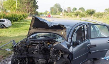 Immagine News - bagnacavallo-schianto-in-via-cogollo-tre-feriti