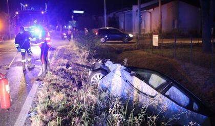 Immagine News - pisignano-scontro-in-via-crociarone-due-feriti