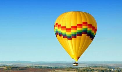 sbalzata-fuori-dalla-mongolfiera-nel-senese-muore-40enne-di-cesena-era-una-pilota-professionista