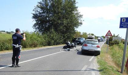 Immagine News - lavezzola-moto-contro-auto-centauro-39enne-al-bufalini