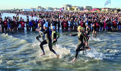 cervia-fine-settimana-con-lironman-oltre-5.000-atleti-per-il-triathlon-la-riviera-au-pronta