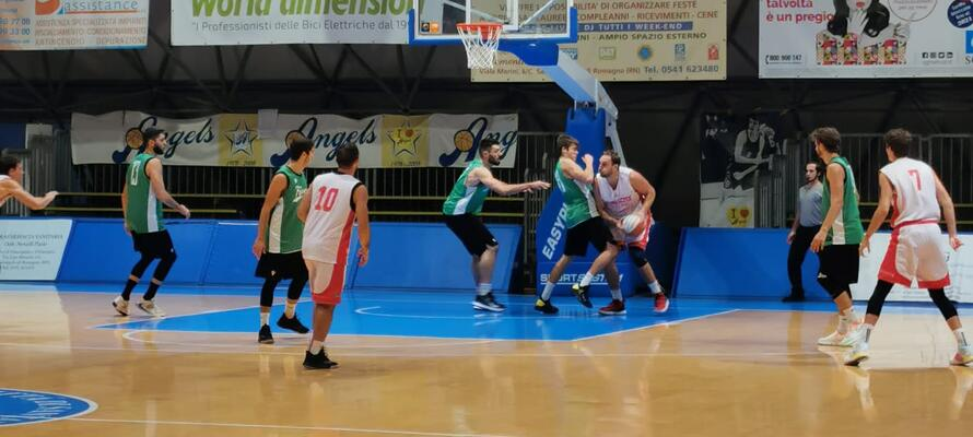 rinascitabasketrimini it scrimmage-rivierabanca-basket-rimini-faenza-70-73-n3105 002