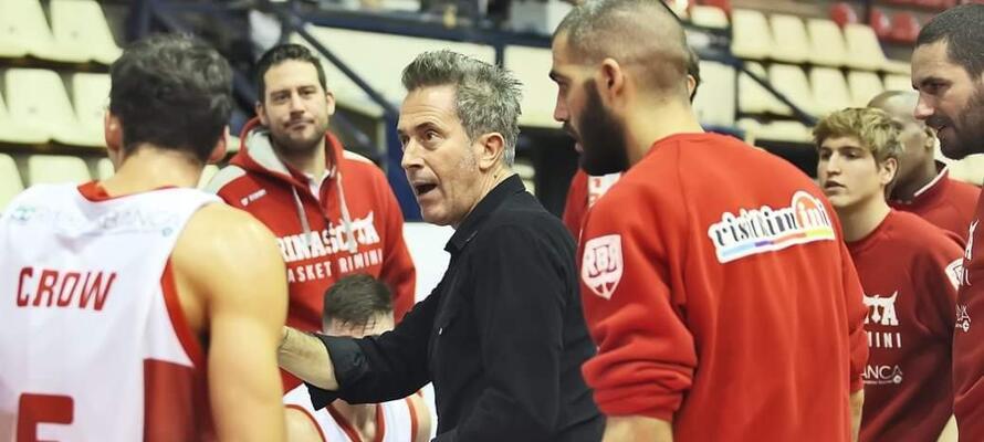 rinascitabasketrimini it san-bernardo-alba-rivierabanca-basket-rimini-prepartita-con-coach-massimo-bernardi-n3136 002