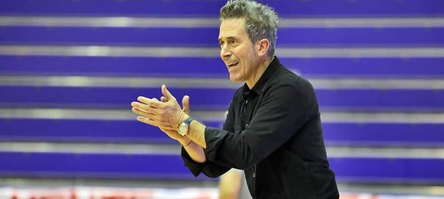 rinascitabasketrimini it new-flying-balls-ozzano-rivierabanca-basket-rimini-prepartita-con-coach-massimo-bernardi-n3207 002