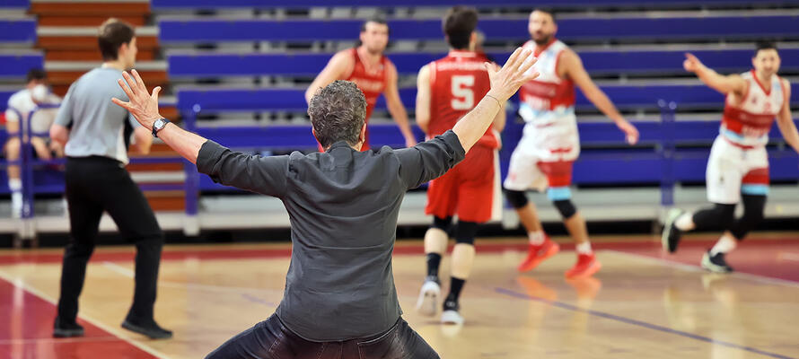 rinascitabasketrimini it rivierabanca-basket-rimini-etrusca-san-miniato-post-partita-con-coach-massimo-bernardi-n3213 002
