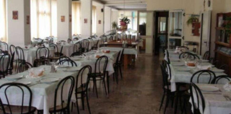 Immagine: VENDESI HOTEL 3 STELLE Marina Centro
